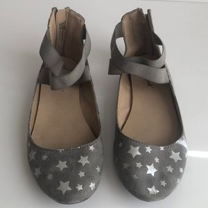 Gray suede girl flats
